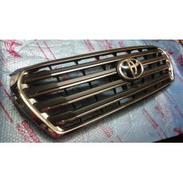 Решетка радиатора Тойота /...